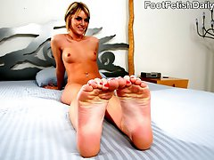 Tall blonde Riley Rey is a spoiled rich girl whose father has hired personal trainer Jordan Lane...