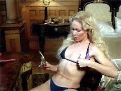 Sexy retro ladies get nude