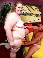 Blonde bbw Jessie showing off her big tits and spreading her fat thigh to have it licked by her...