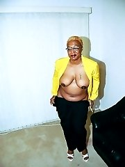 Jenny is a mature black woman who likes to get freaky. Cum climb up in bed with her to see her...