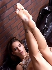 Foot fetish Wild Babe Licking and Playing Feet