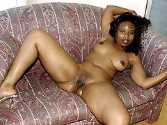 Hot and chubby black girl loves to fuck!