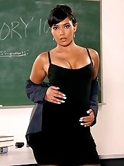 Jana Jordan seduces her professor to pass the class