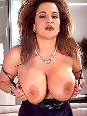Busty MILF with big round tits