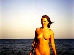 Unseen pics of mouth watering gals who shamelessly sunbathing totally naked