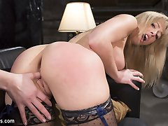Top notch talent agent Chanel Preston is fed up with entitled actress Zoey Monroe making her...