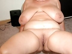 BBW with huge breasts