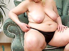 Beautiful fatty posing in black stockings