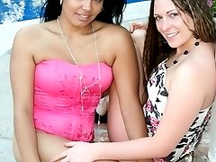 Hot interracial girl on girl hardcore pussy licking action