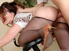 Nasty mature babe in smooth pantyhose treating eager guy with her ripe twat