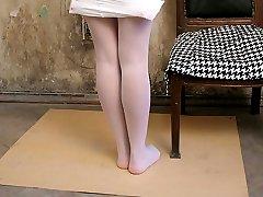 Wild teen girls enjoys exposing her tights