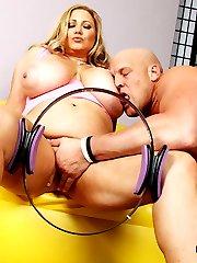Samanthas Huge Tits Jiggle During Sex