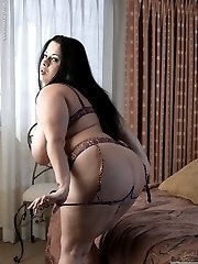 Devyn Devine has big wonderful curves and a hellacious appetite for sex. When no one is around...
