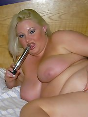 Plump British amateur milf with her dildo
