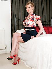 Classy Holly in vintage diamond back seam French nylons!