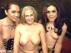 Jessica Fox and Kelli Lox are celebrating their anniversary. Jessica has a nice surprise for...