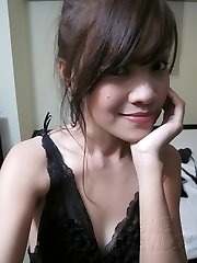 Cute and lonely self shot asian nude girl friend
