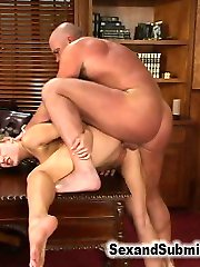 When sexual outlaw Ramon Nomars favorite whore, beautiful Tori Avano, tries to rat him out for a...