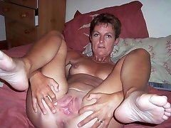 Download tons of real amateur housewives vids