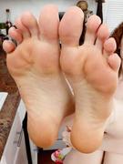 I Seek Feet
