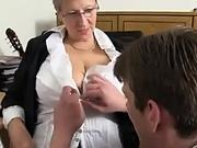 mom-sex-video.com