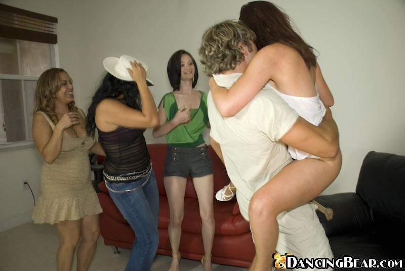 Girls Take Off Bra Webcam