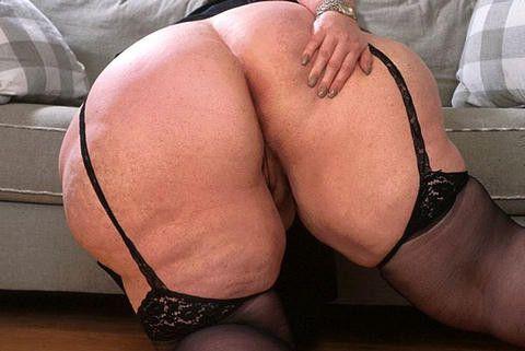Very fat wife fucking big dicks