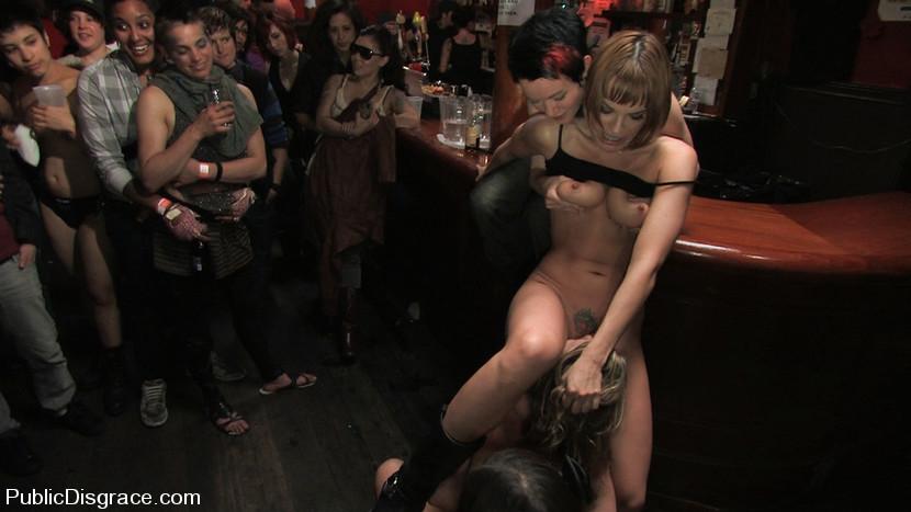 Girl Flash Pussy Public