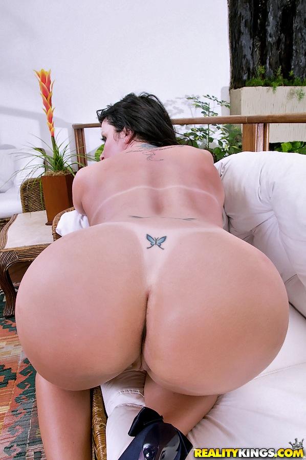 Big Ass Brazilian Face Fart