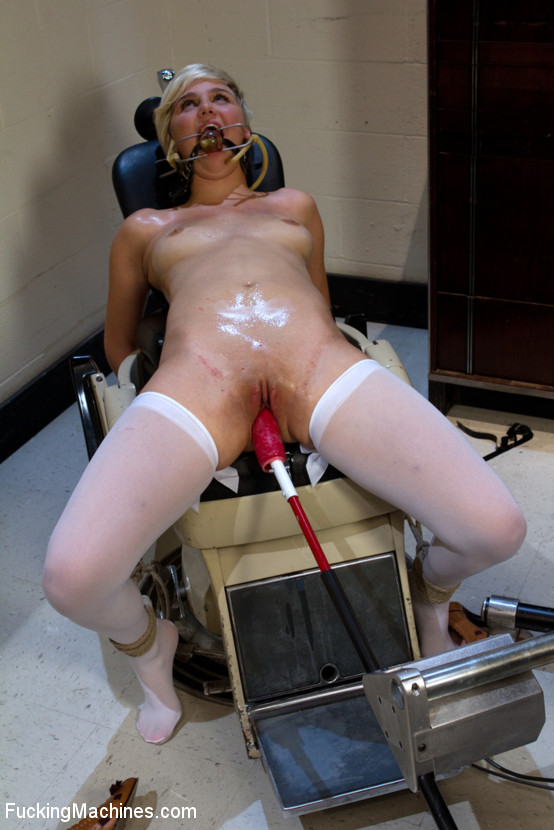 Fucking Machines Squirt Dp