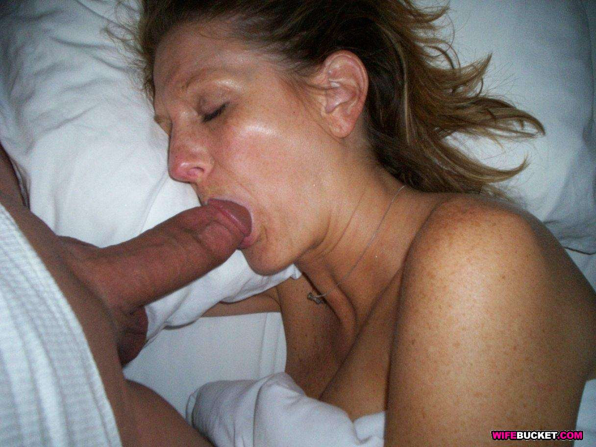 Amateur Milf Threesome Mmf