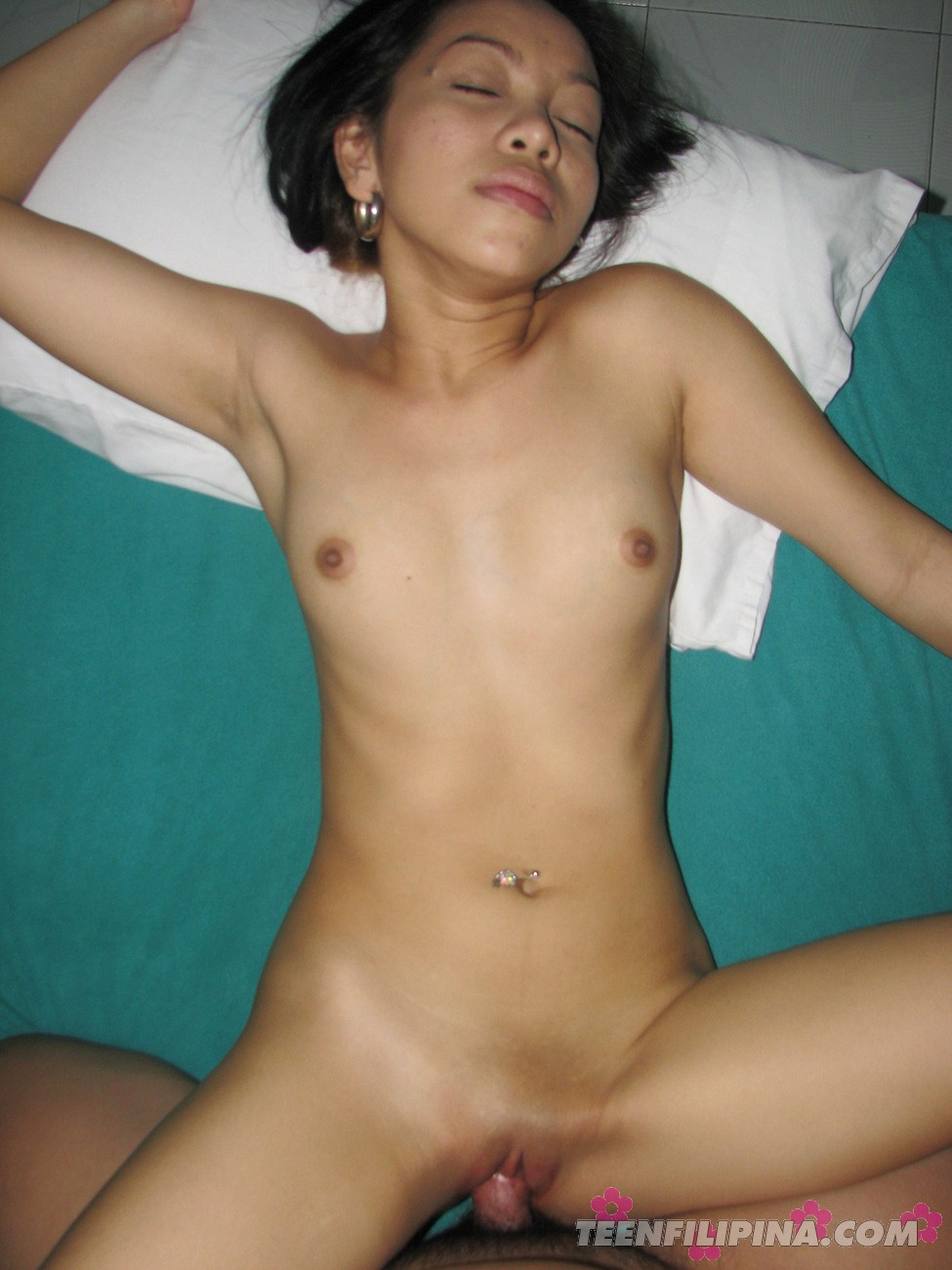 Hot nude girl fingering