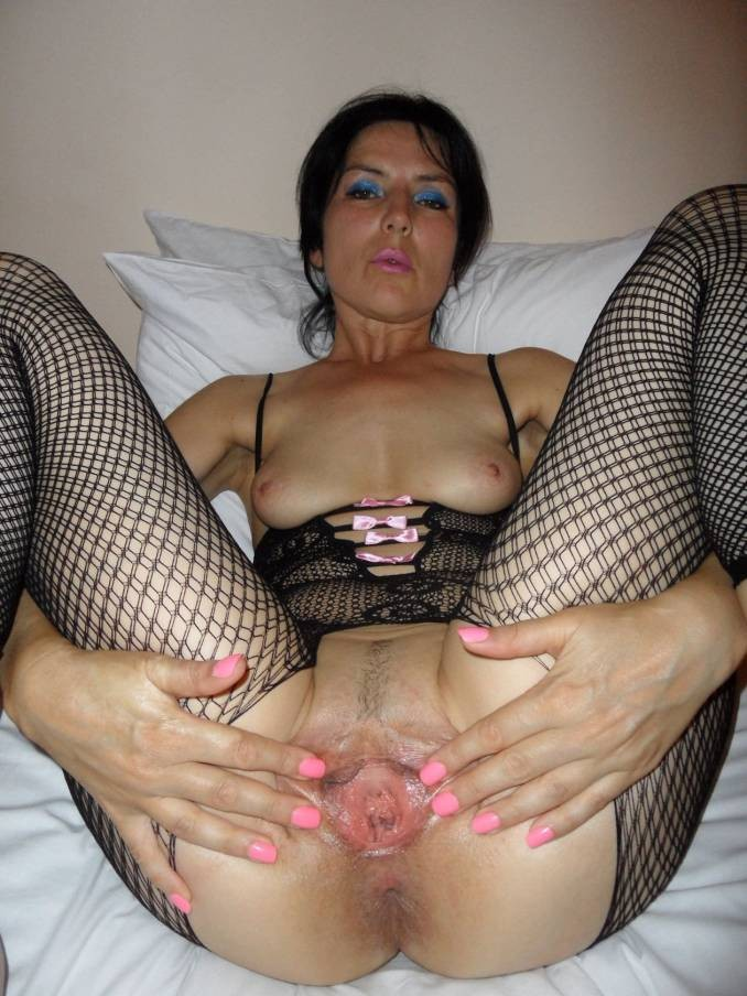 Mature Wife Fucks Young