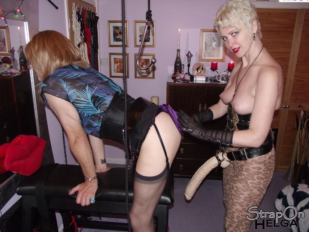 Amateur Lesbian Wife Strapon