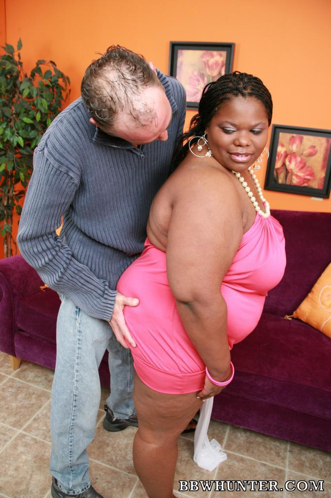 Ebony BBW Chocolat Hottie takes cock filling in her cooze ...