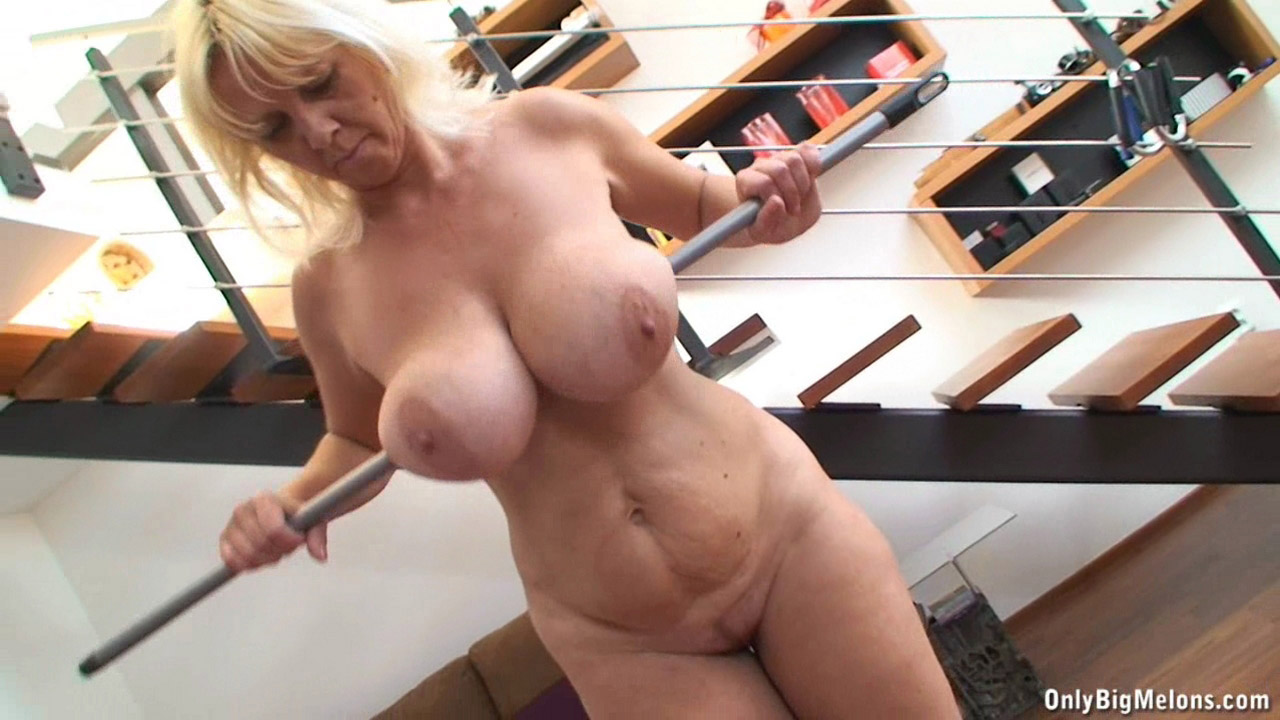 nude bouncing tits only