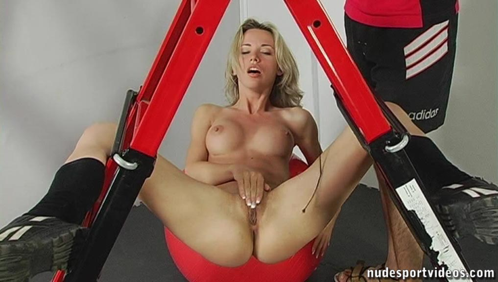 Mega tits natural