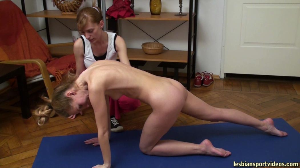 Lesbian College Pussy Eating