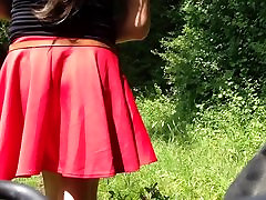 Girls upskirt selfie in nature. Maedchen unterm Rock Public