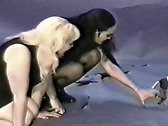 Old School Giantess Dolgimi Nohti 1