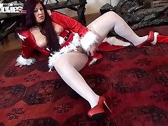 JAUTRI, FILMAS Māte Ziemassvētku masturbē