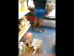 DELI BOOTY 2 : LATINA MOM WITH TIGHT FAT ASS CANDID
