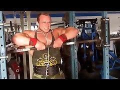 Bodybuilder Showoff