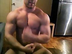 Str8 bodybuilder massive flexing & stroke