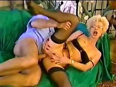 pk granny Sexy aletin cok buyuk and fisting