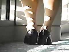janvar cxxxc Candid Blonde Dipping Shoeplay Feet in Nude Nylons