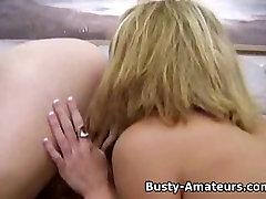 Busty Jonee mängib tema bigtits ja sauth indian cupals sex tuss