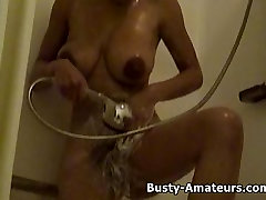 Hot wwwss xxx video 2018 chick Gia on shower