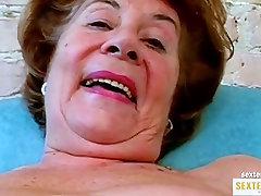 Oma 74 die alte gierige Kokusmatte