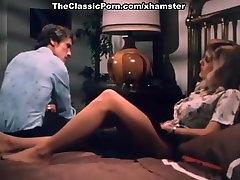 John Holmes, Chris Cassidy, Paula Wain in sexsi vsdio big irls scene